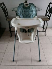 baby's white and gray high chair El Paso, 79924