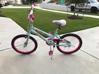 White and pink huffy bike Pflugerville, 78660