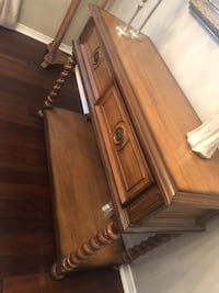 Console table / buffet table