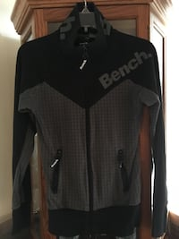 Bench sweater -Size M Trenton, K8V 3Y5