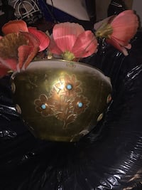 brown and pink floral ceramic vase Beaconsfield, H9W 1V9