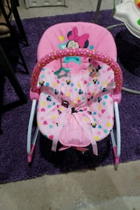 baby's pink and white bouncer 31 km