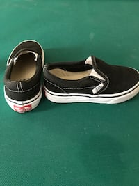 Kids Vans Shoes - Size 11 Fort Belvoir, 22309
