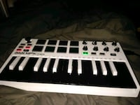 white and black electronic keyboard Chicago, 60659