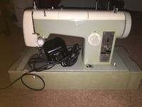Vintage sewing machine  Beaumont, T4X 1C4