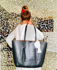 ,  Super chic, practical tote.brand new with beautiful keychain foxy  Fort Lauderdale, 33301