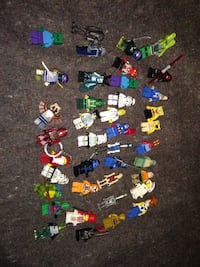 39+1 lego figures plus santa keychain Spokane Valley, 99216
