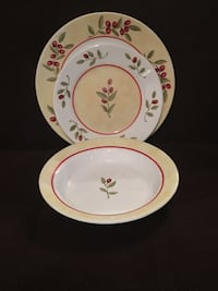 Set of 4 Corelle Ultra Dinner Plates, Salad Plates & Bowls—Red Berries Vienna, 22180