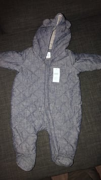 Snow suit quilted blue BNWT 0-3 months size  Abbotsford, V2T