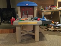 toddler's gray and blue Little Tikes work bench Sainte-Justine-de-Newton, J0P