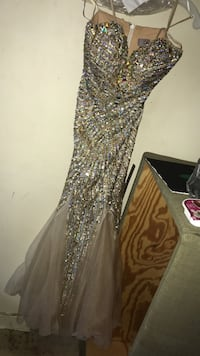 Gold sparkle prom dress! Size 4 Pittsburgh, 15206