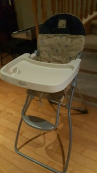 baby's white and gray high chair Mississauga, L5M 7N1
