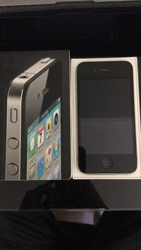Apple iPhone 4 with all original package Richmond, V6Y 4K7