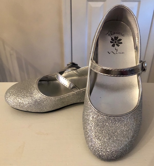 Girl size 12 dress shoes