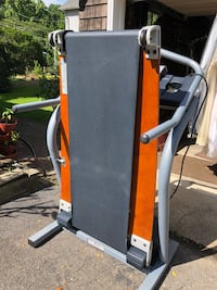NordicTrack 2500 R space saver Incline treadmill Eatontown, 07724