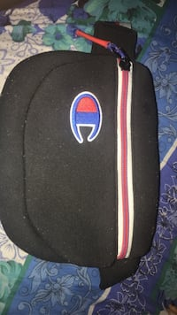 Champion side pouch