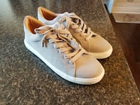 TOPSHOP SNEAKERS...BRAND NEW! Courtice