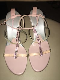 Woman shoes size 8 1/2 Jessup, 20794