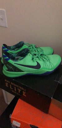 pair of green-and-black Nike running shoes Gambrills, 21054