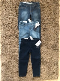 NEW GIRL OSHKOSH LEGINS SIZE  3T ONLY MESAGE ME IF YOU INTERESTED ALL 3 PAIRS FOR $40  Bakersfield, 93311