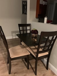 Set of 3 dining room chairs  Cambridge, 02141