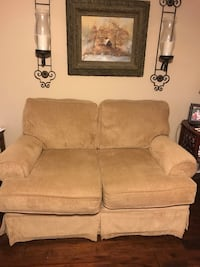 Lane love seat Spring Hill, 37174