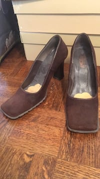 pair of brown suede pointed-toe heeled shoes Richmond Hill, L4C 6R6