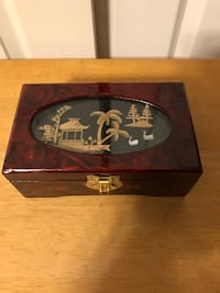 "Vtg Asian Design Lacquered Music / Jewelry Box, Red/Black, 4.5""x7"" Baltimore, 21236"