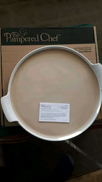 Pampered Chef stone with handles Mississauga, L5K 1B6