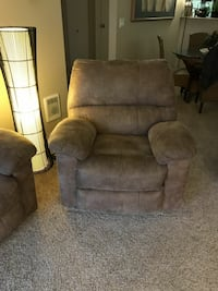 Sofa and love set and chair all electric in good c
