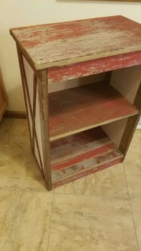 2 New Farm style side tables Brookfield, 53005