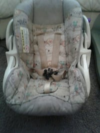 Infant carseat with zoo animal print