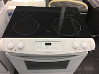 Frigidaire stove — warranty and delivery included  Toronto, M3J 3K7
