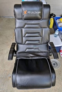NEW Rocker Gaming Chair w/ Built In 2.1 Sound Syst Coquitlam, V3K 1X3