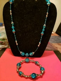 green and silver beaded necklace Anaheim, 92801