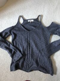 gray and white long-sleeved shirt Winnipeg, R3T 5V9