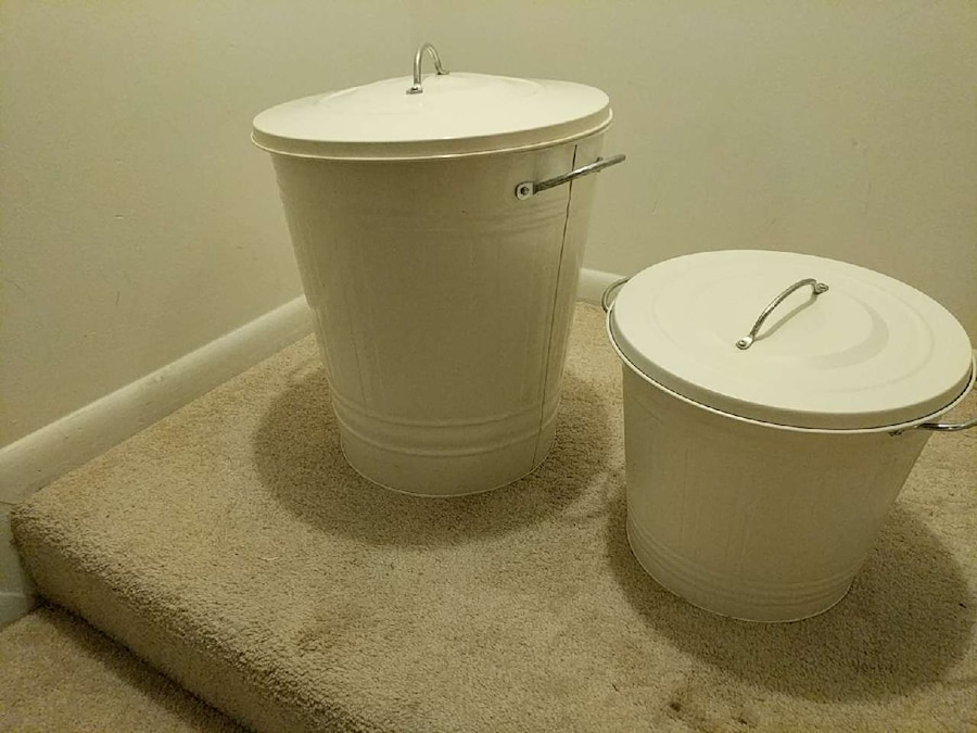 Letgo ikea cute trash bins with lids in south va for Ikea trash cans