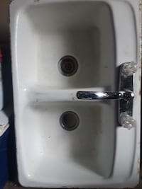 White kitchen sink w/faucet