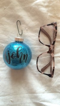 John tree ornament (glasses for size) Toronto, M6B