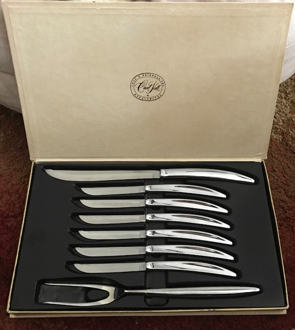 Vintage Carvel Hall Stainless Carving Set with Knives