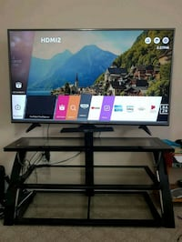 60 inch LG LED 4KHD smart tv with black stand Mississauga, L5M 3Y4