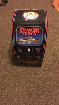 Stranger Things 8-Bit Target Exclusive Oak Ridge, 07438