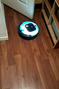 Black and decker robot vacuum  Edmonton, T5H 1C8