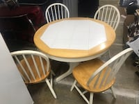 Table with chairs Lanham, 20706