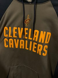 Cleveland Cavaliers adidas team issue on court hoodie.Men's size small