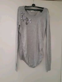 Maternity sweater size  M Laval, H7A 3Z2
