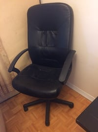 black leather office rolling armchair Toronto, M1T 3P4