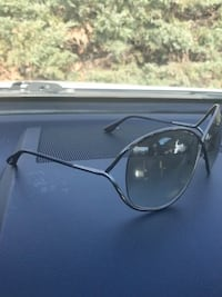 Tom Ford sunglasses gorgeous with case! Paid 550 taking best offer
