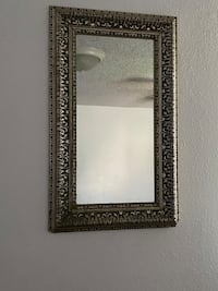 Wall Mirror (Pending Pick-Up)