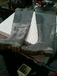 Hip waders size 9 Middletown, 10940